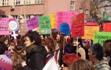 Ne salt arşiv ne de bir dizi metin: Feminizm Kitabı