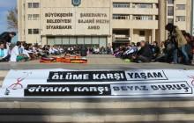 Diyarbakır'da Oturma Eylemleri