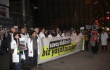 İstanbul Galatasaray Lisesi Barış Zinciri Eylemi