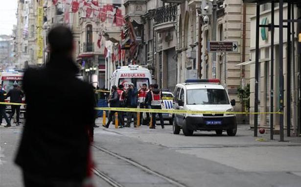 Bu saldırıyı kınıyor, ölenlerin yakınlarına başsağlığı ve yaralılara acil şifa diliyoruz.