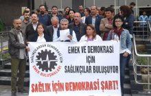 """SAĞLIKÇILAR """"DEMOKRASİ İÇİN"""" VAN'DA BULUŞTULAR"""