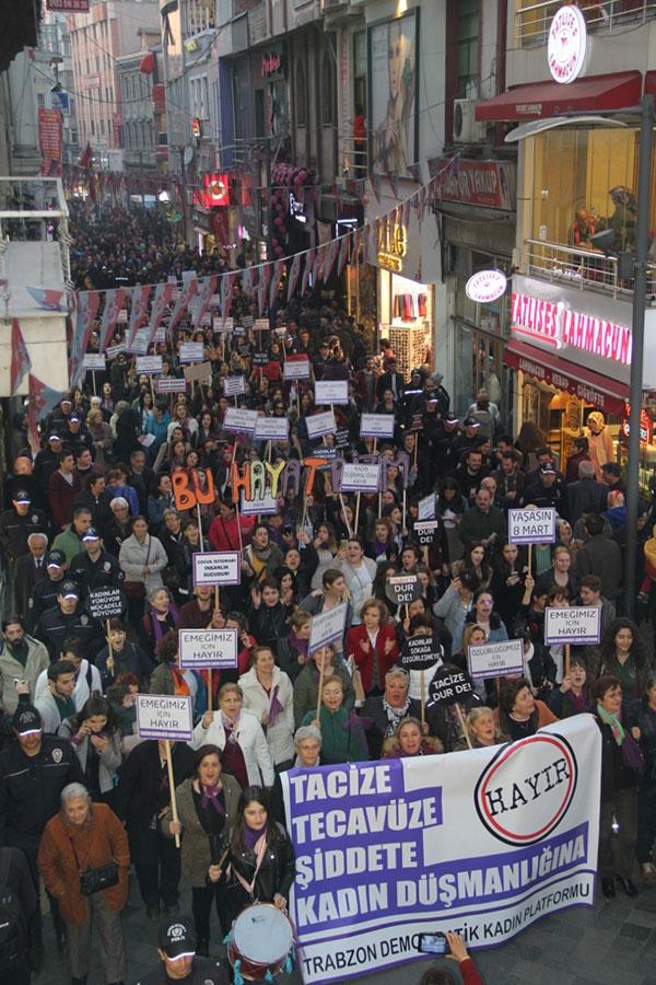 Trabzon'da Coşkulu 8 Mart Etkinliği