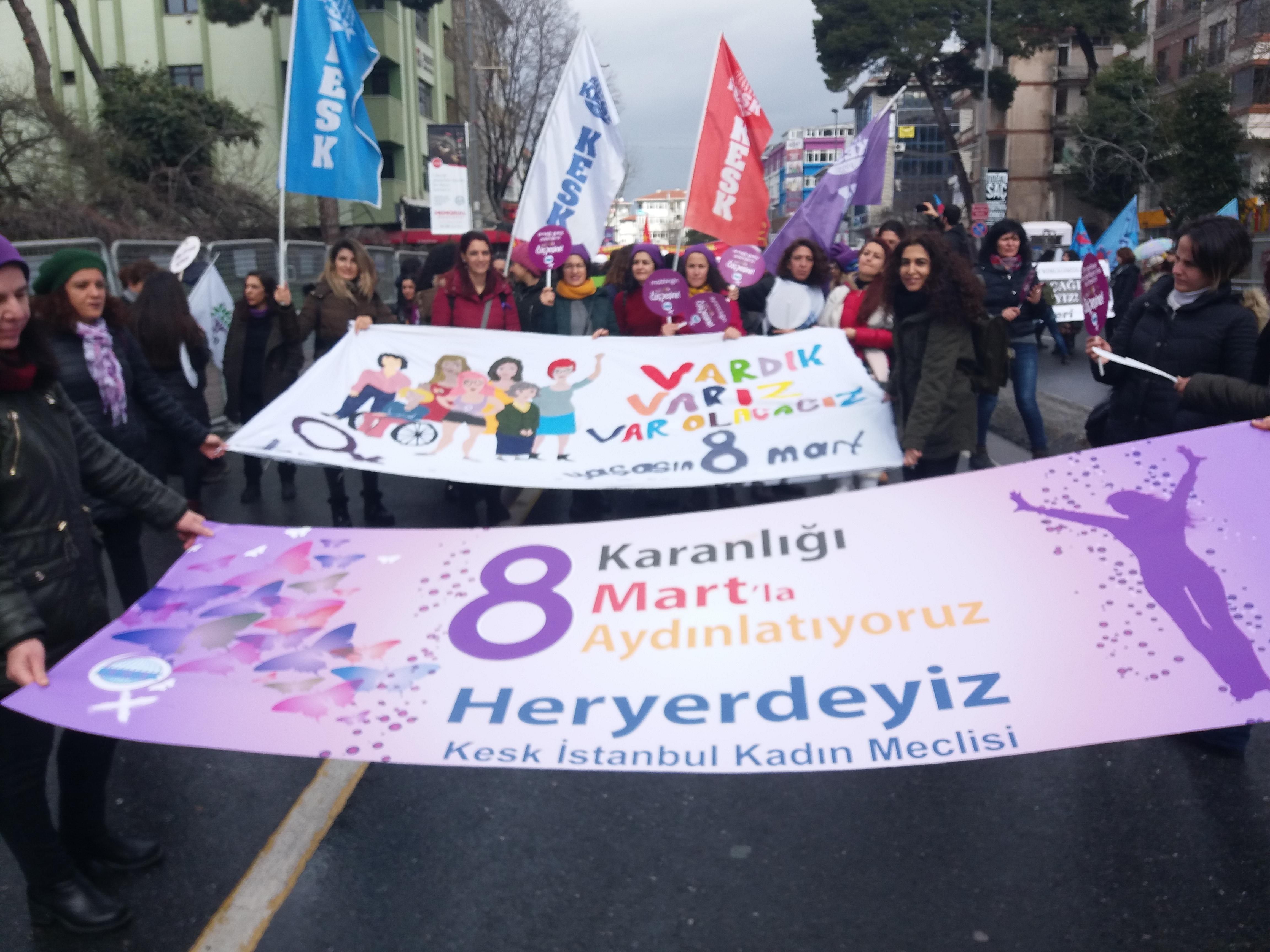 İstanbul'da Coşkulu 8 Mart Mitingi