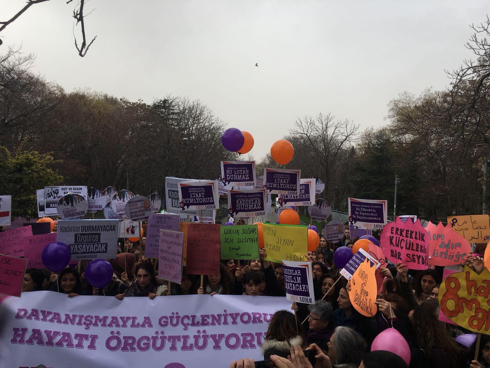 Ankara'da 8 Mart İşyerlerinde ve Alanda Kutlandı