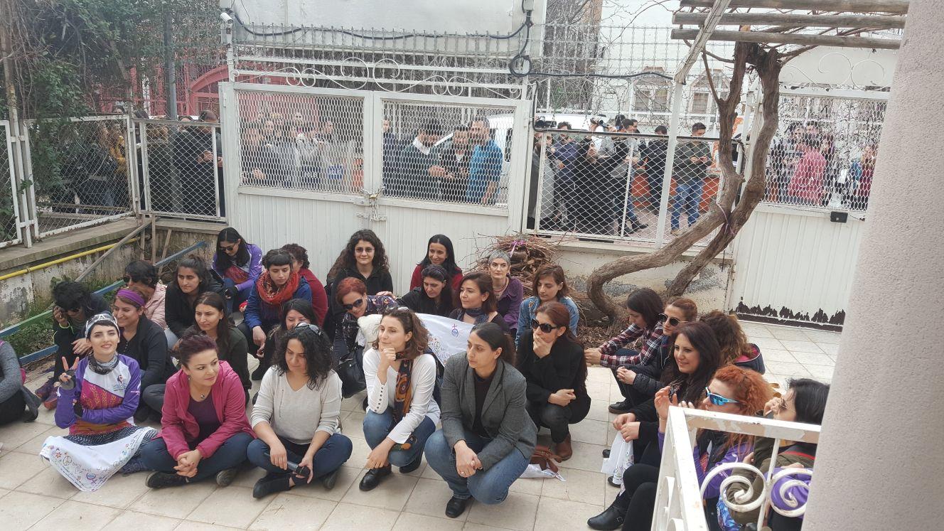 Diyarbakır'da Polis Kadınların Bisiklet Turunu Engelledi