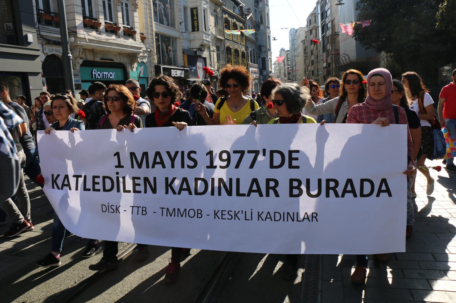 İstanbul'da Kadınlar 1 Mayıs 1977'de Yaşamını Yitiren Kadınları Andı