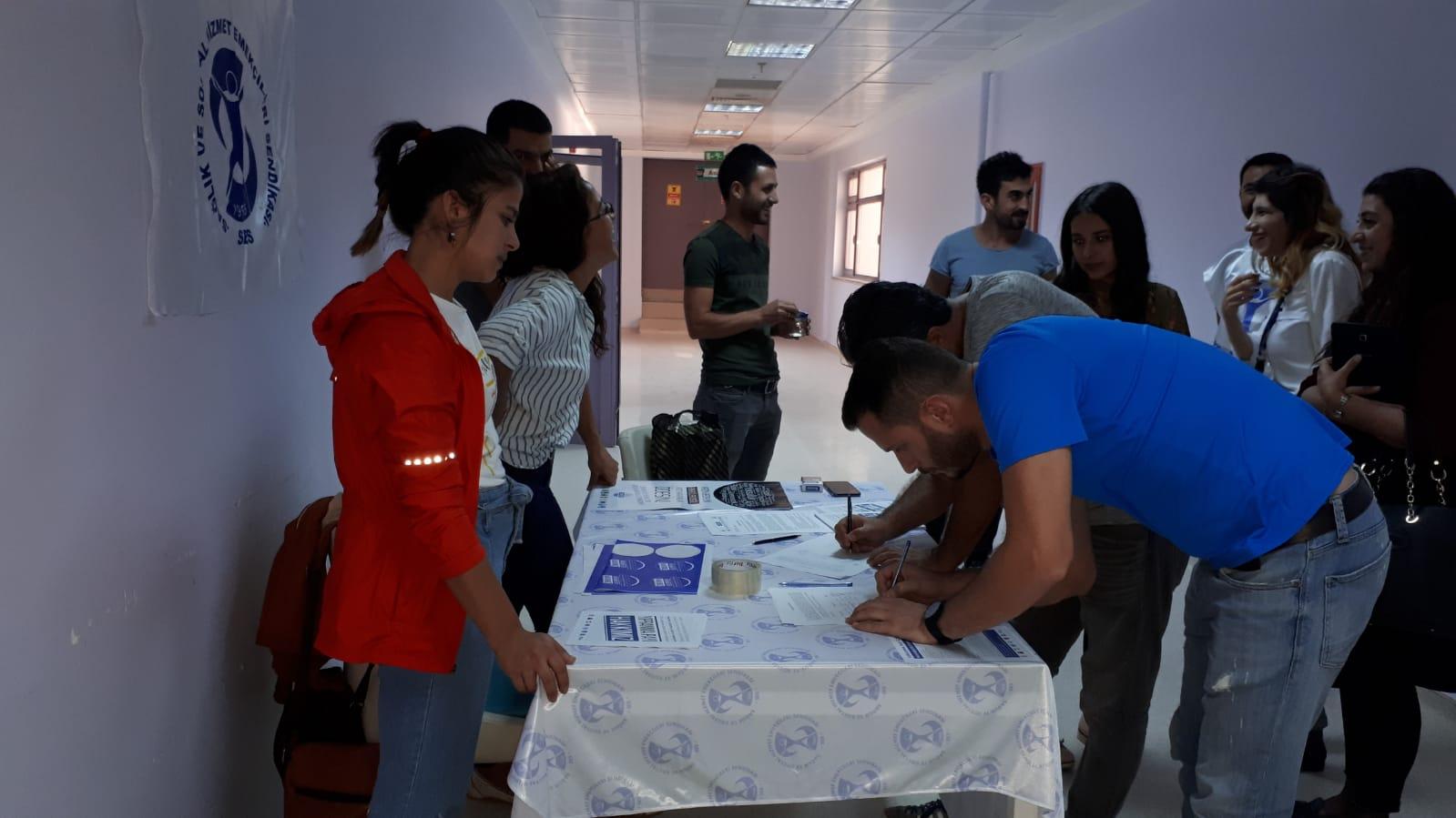 Dersim Şubemiz Yıpranma Payı İçin İşyerlerinde İmza Kampanyası Başlattı