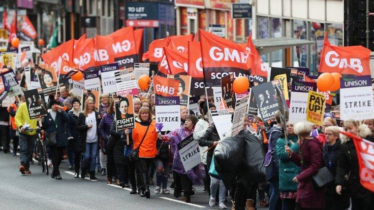 Glasgow'da Greve Giden Kadınlara Dayanışma Mesajımızı İlettik