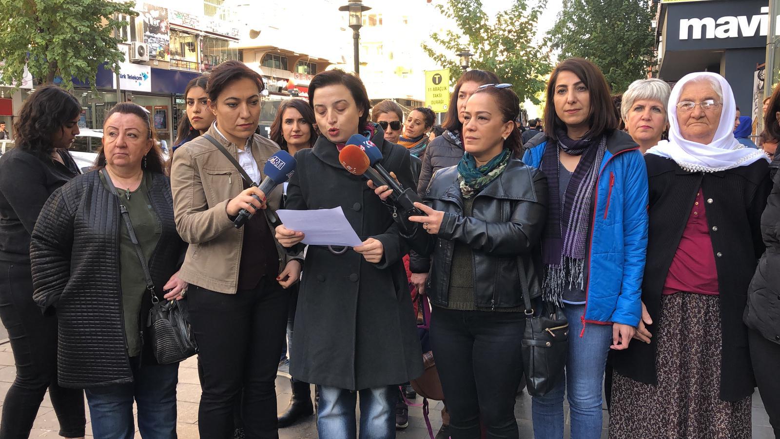 Diyarbakır Dicle Amed Kadın Platformu 25 Kasım Eylem-Etkinlik Startını Verdi