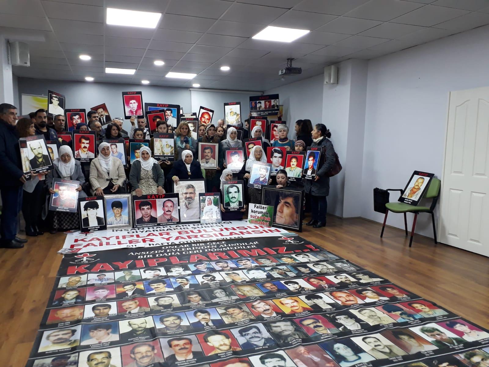 """Diyarbakır Dicle Amed Kadın Platformu """"Kayıplar Bulunsun, Failler Yargılansın"""" Eylemine Katıldı"""