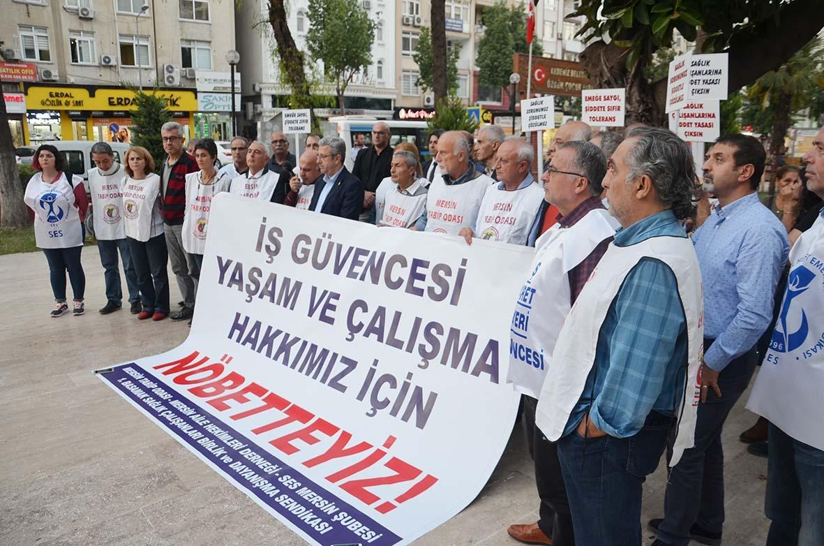 Mersin'de Yasa Tasarısına Karşı Nöbet ve Faks Çekme Eylemi