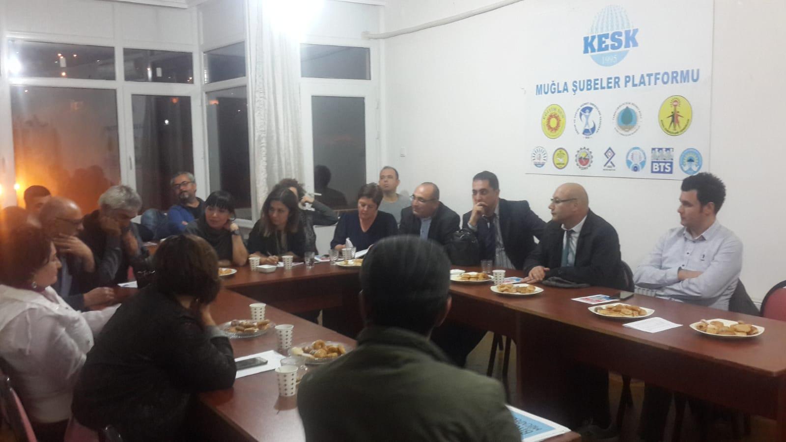 KESK'liler Muğla'da Emek Demokrasi Güçleriyle 17 Kasım İzmir Bölge Mitingini Değerlendirdi