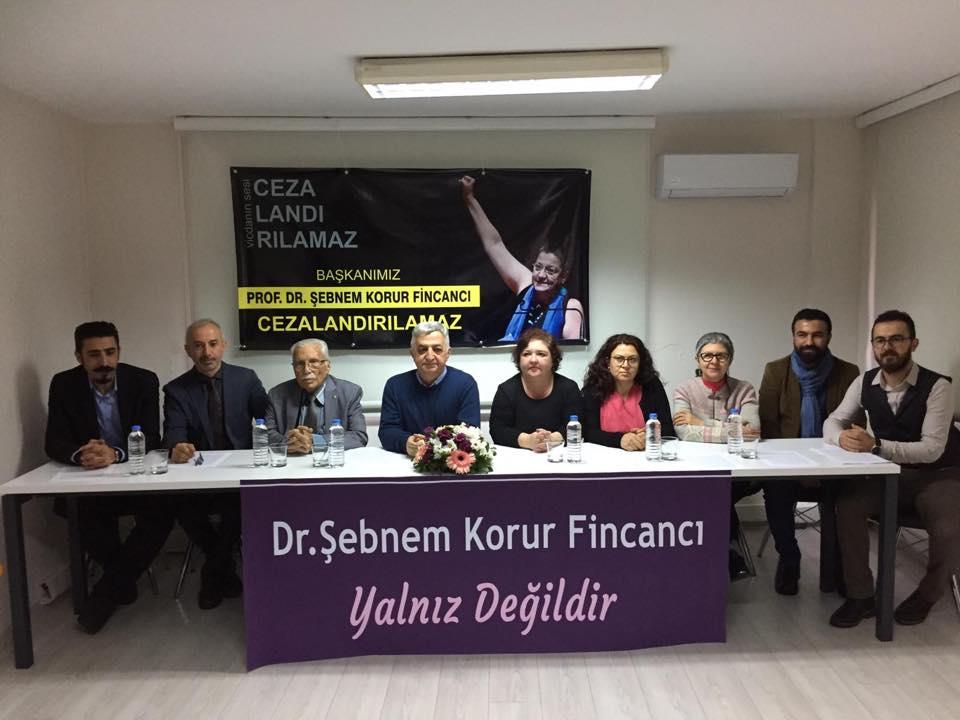 İzmir: Barış ve İnsan Hakları Savunuculuğu Cezalandırılamaz