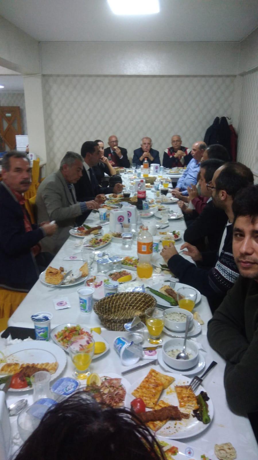 Osmaniye Temsilciliğimiz Üyelerimizle ve Adana Şube Yöneticilerimizle Yemekte Bir Araya Geldi