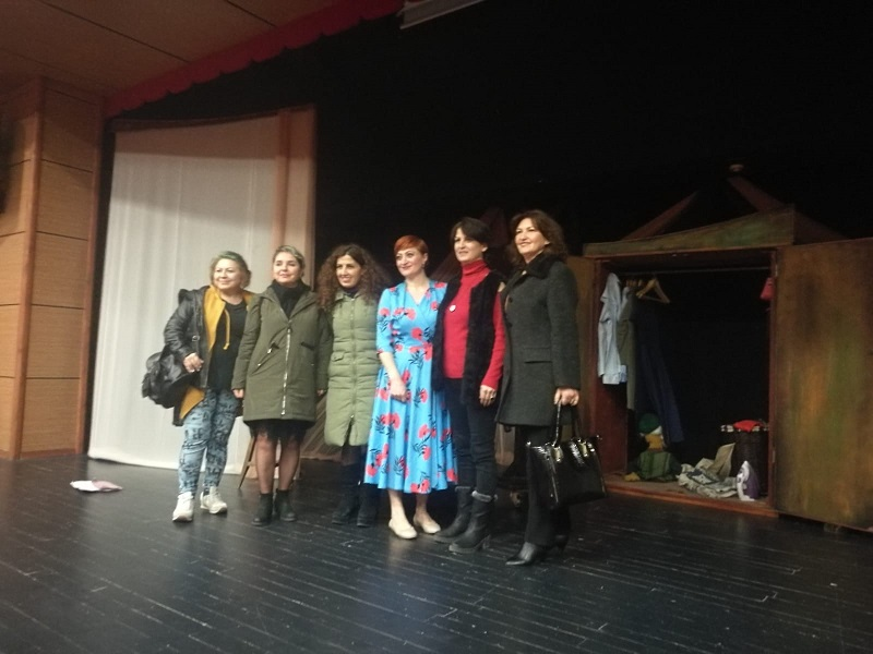 Samsun'da SES'li Kadınlar Tiyatroda Buluştu