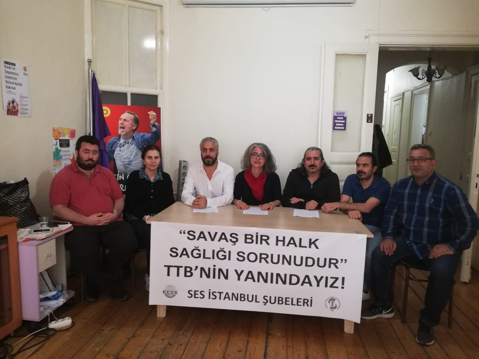 İstanbul Şubelerimiz: TTB Merkez Konseyi Üyelerinin Yanındayız! Savaş Bir Halk Sağlığı Sorunudur!
