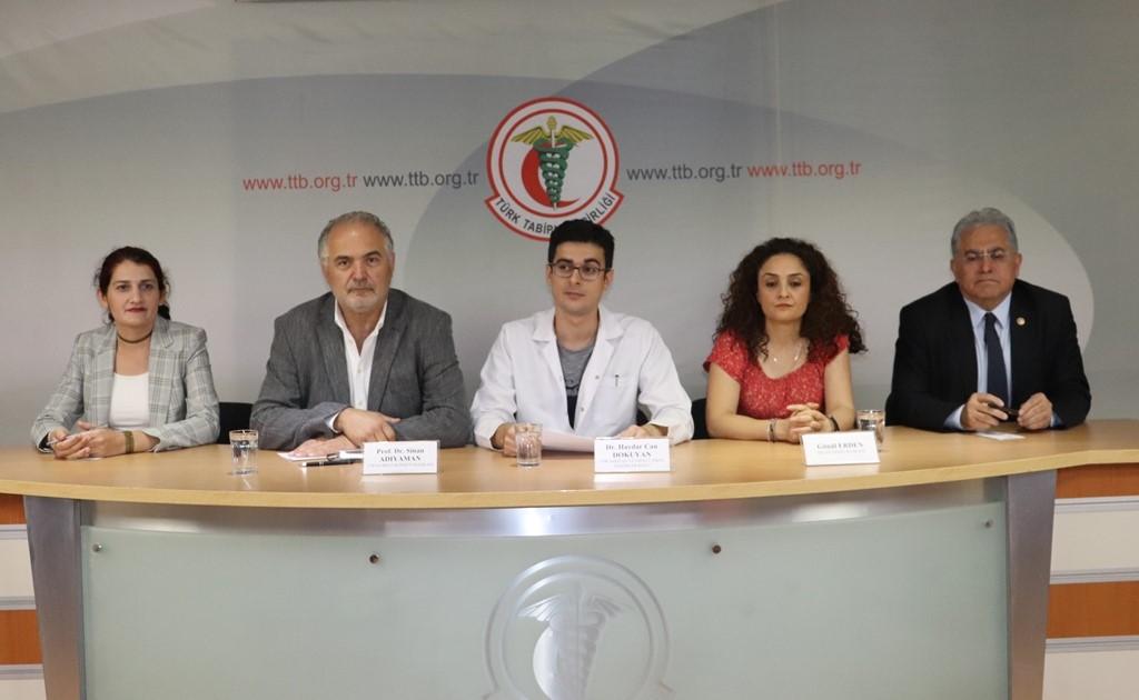 SES ve TTB: Sağlık Çalışanlarının OHAL KHK'leri ve Güvenlik Soruşturmaları Nedeniyle Uğradıkları Hak Gaspları Sonlandırılmalıdır