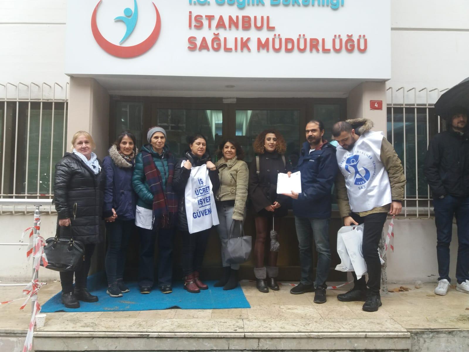 Şişli Şubemiz Kıyafet Standartlarına Karşı Topladığı İmzaları İstanbul İl Sağlık Müdürlüğü'ne İletti