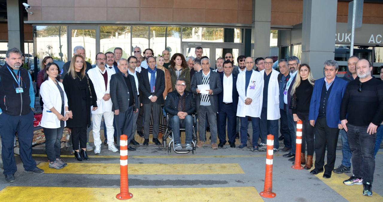 Adana'da Hekime Yönelik Şiddet Protesto Edildi