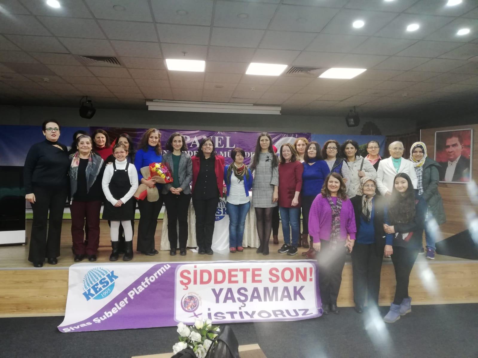 """KESK Sivas Şubeler Platformu'ndan """"Kadın, Şiddet ve Mücadele"""" Paneli"""