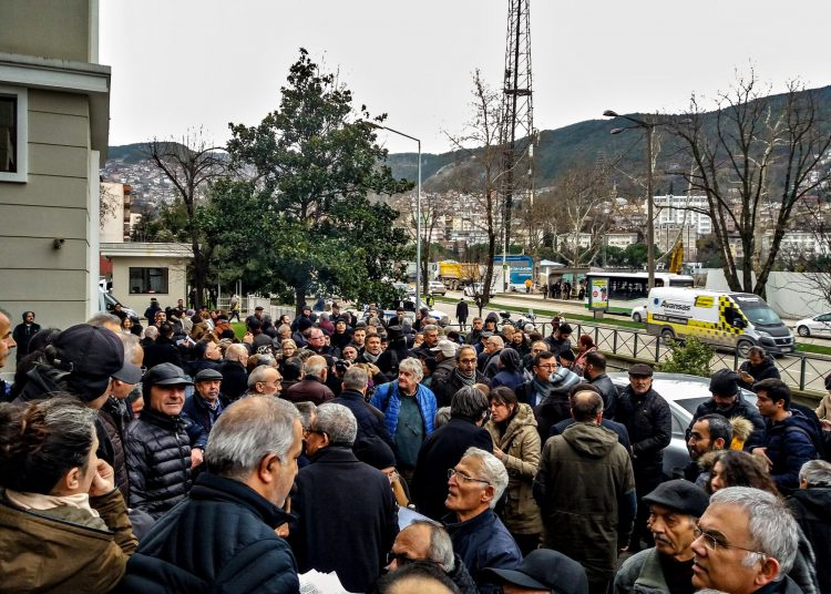 Bursa'da Yüzlerce Yurttaş Kanal İstanbul Projesine İtiraz Dilekçesi Verdi