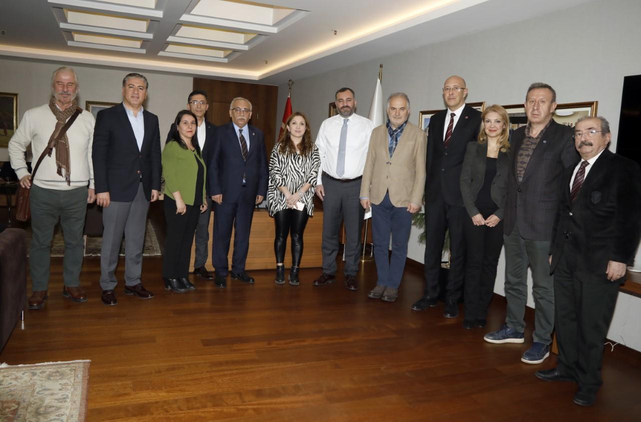Sağlık Emek ve Meslek Örgütleri Çankaya Belediye Başkanı Alper Taşdelen'le Beyaz Miting'i Görüştü
