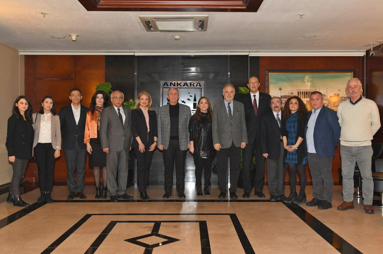 Sağlık Emek ve Meslek Örgütleri Ankara Büyükşehir Belediye Başkanı Mansur Yavaş'la Beyaz Miting'i Görüştü