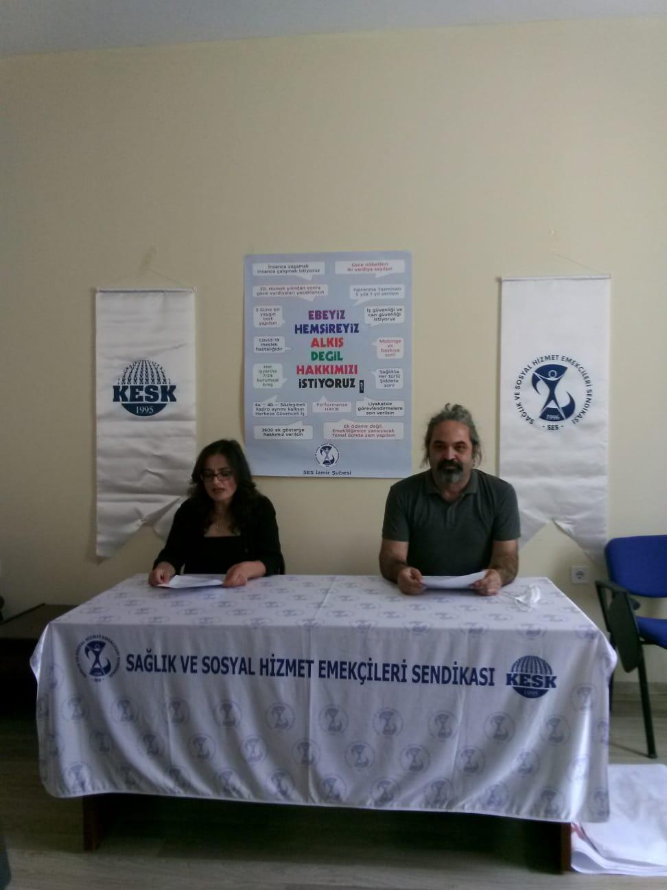 Ebeler Günü ve Hemşireler Günü'nü Kutlayan İzmir Şubemiz: Haklarımız İçin Mücadeleye Çağırıyoruz