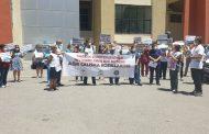İzmir Atatürk Eğitim ve Araştırma Hastanesi Önünde Hemşire İntiharlarıyla İlgili Eylem