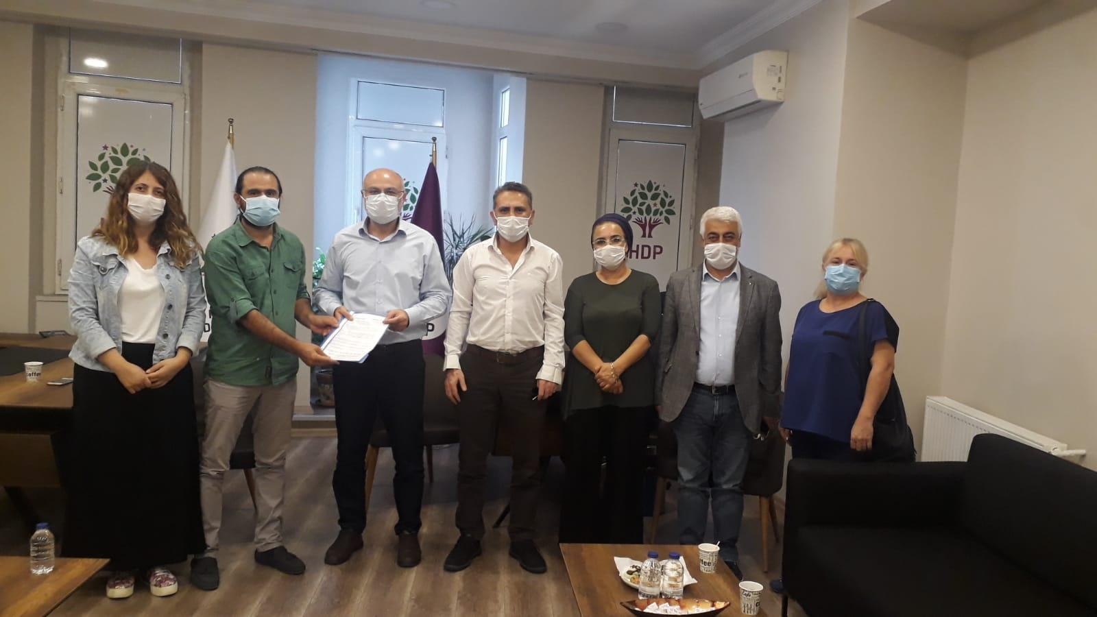 """İstanbul Şubelerimiz """"Güvenceli İş, Güvenli Gelecek"""" İmzalarını HDP İl Başkanlığına İletti"""