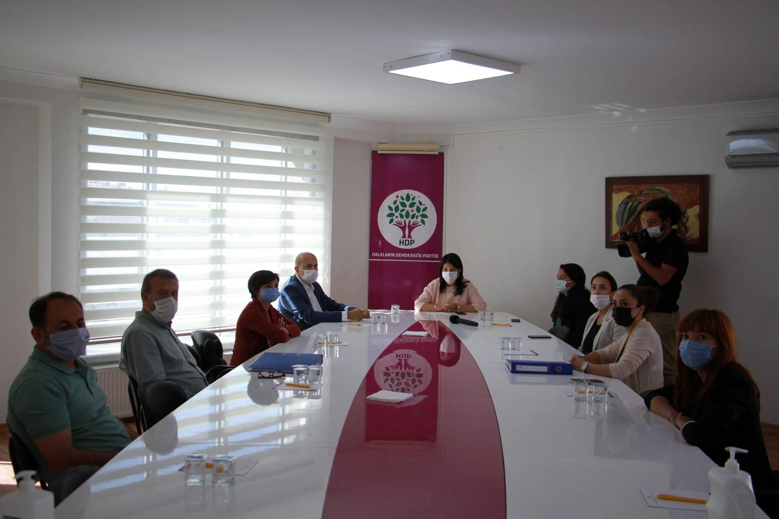 Kadro Talebi ve İstihdam Kanun Teklifimizi HDP'ye İlettik