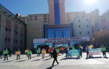 Diyarbakır: Sağlık Emekçilerinin Sorunlarını Görmezden Gelen Sağlık Bakanlığı Alkışlarla Protesto Edildi