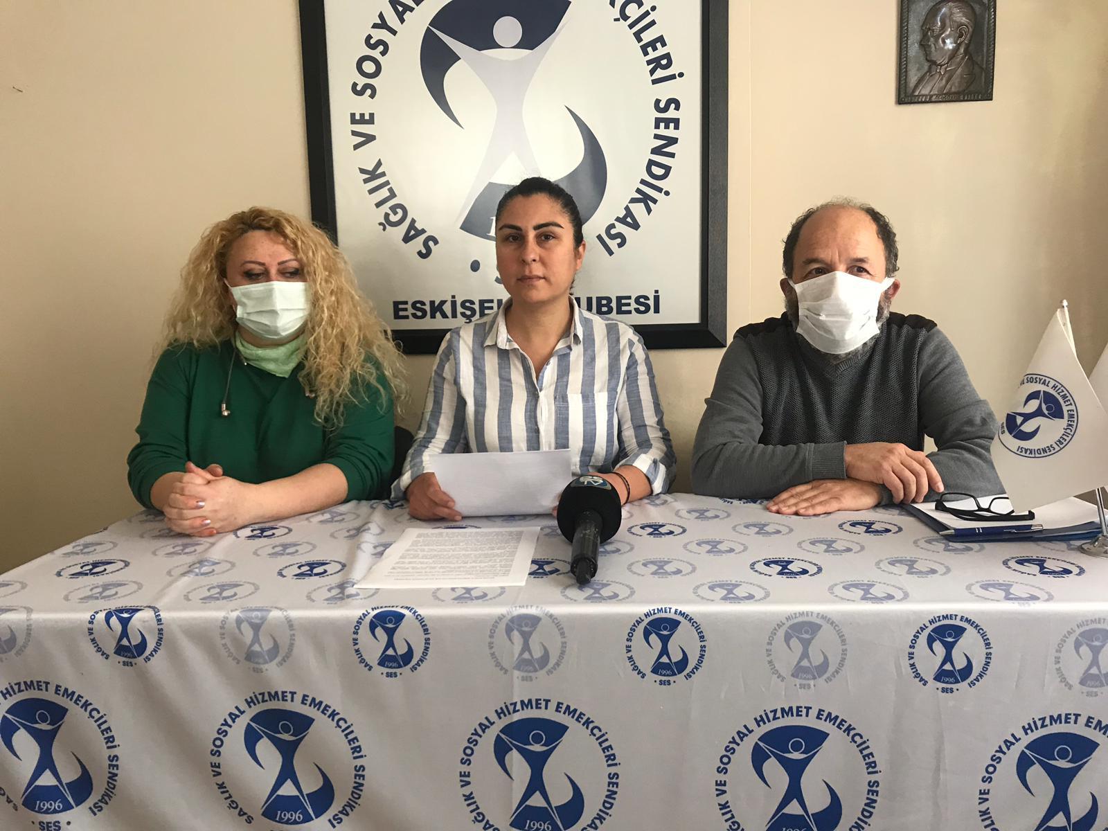 Eskişehir Şubemiz: Salgın Sağlık Emekçilerini Kölece Çalıştırarak Önlenmez