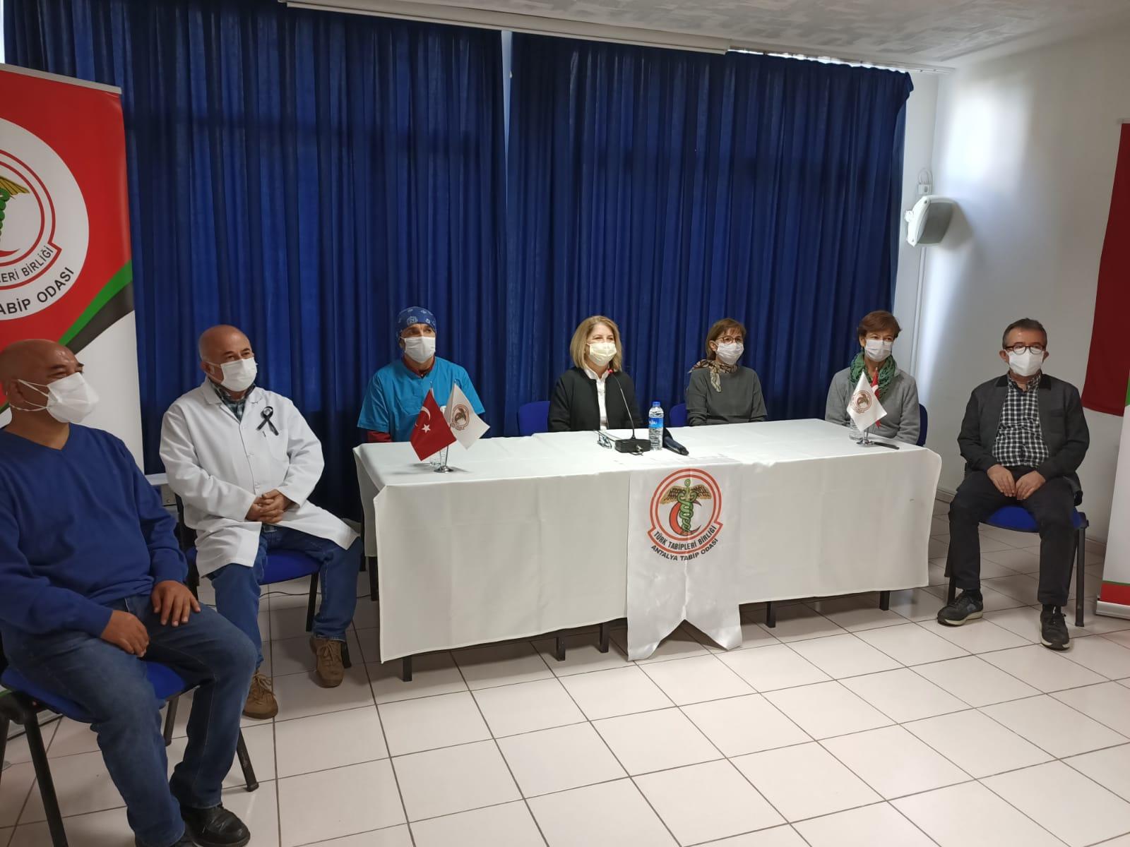 Şubemiz ve Tabip Odası Antalya'da Pandeminin Seyrine Dikkat Çekerek, Çözüm Önerilerini Sundu
