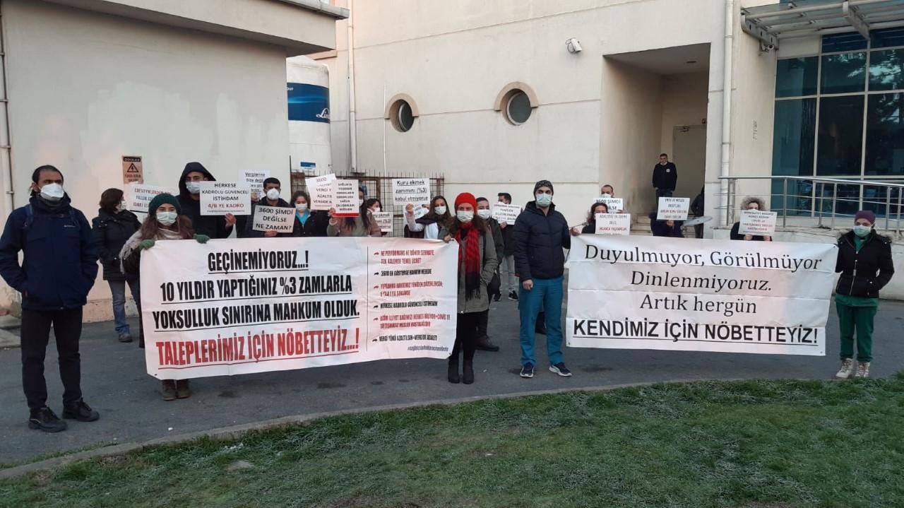 """KESK İstanbul Şubeler Platformu'ndan """"Kendim İçin Nöbetteyim"""" Eylemine Destek Ziyareti"""