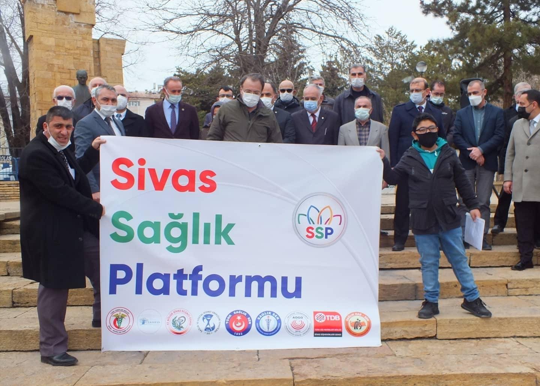 Sivas Sağlık Platformu Covid-19 Nedeniyle Hayatını Kaybeden Sağlık Emekçilerini Andı
