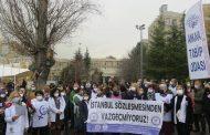 Sağlık Emek ve Meslek Örgütleri Hacettepe'den Seslendi: İstanbul Sözleşmesi'nden Vazgeçmiyoruz