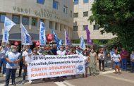 KESK Antalya Şubeler Platformu; Hükümet ve Memur-Sen arasında imzalanan TİS'i protesto etti.